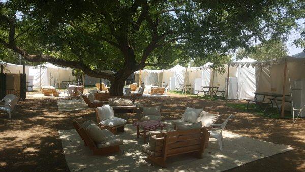 אוהלים ממוזגים בקייקי כפר בלום