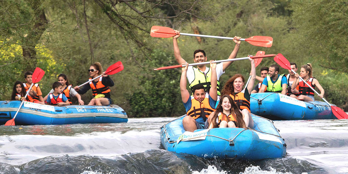 kayak-family